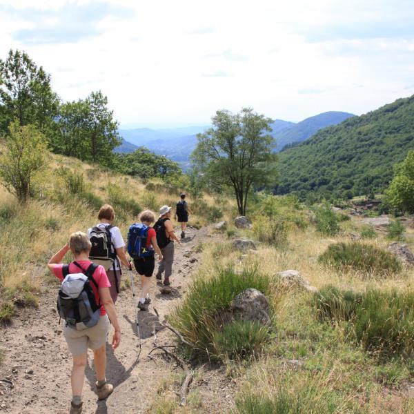 France - Randonnée et rencontres dans les Monts d'Ardèche : voyage solidaire Vision du Monde