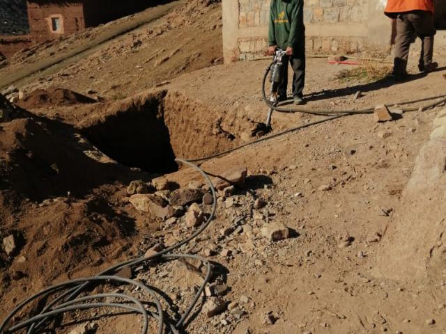 Rénovation des toilettes de l'école primaire d'Ibakaliwane - photo 1 - Vision du Monde