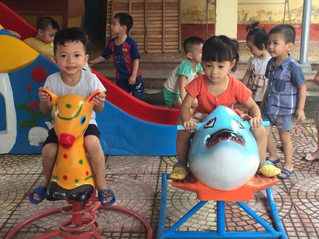 Achat de jeux pour l'école maternelle de Le Loi, dans la province de Hai Duong - photo 2 - Vision du Monde