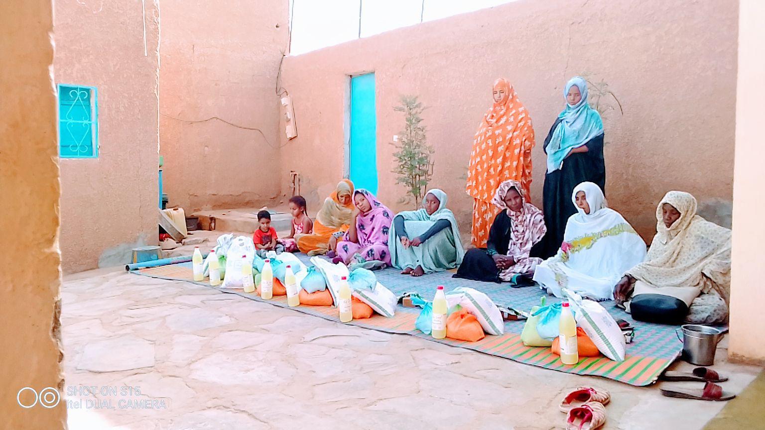 Aide alimentaire pour les familles des centres de malnutrition des Enfants du Désert à Atar  - covid-19 - Vision du Monde