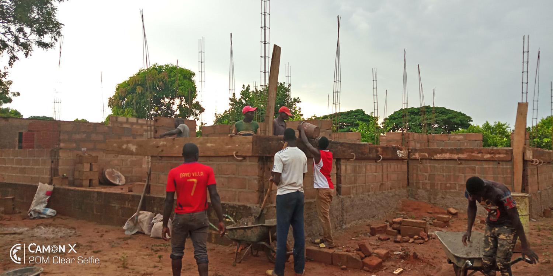 Construction d'un bloc de labo-consultation dans la cour du CSCOM de Hamdallaye - Sikasso - Vision du Monde