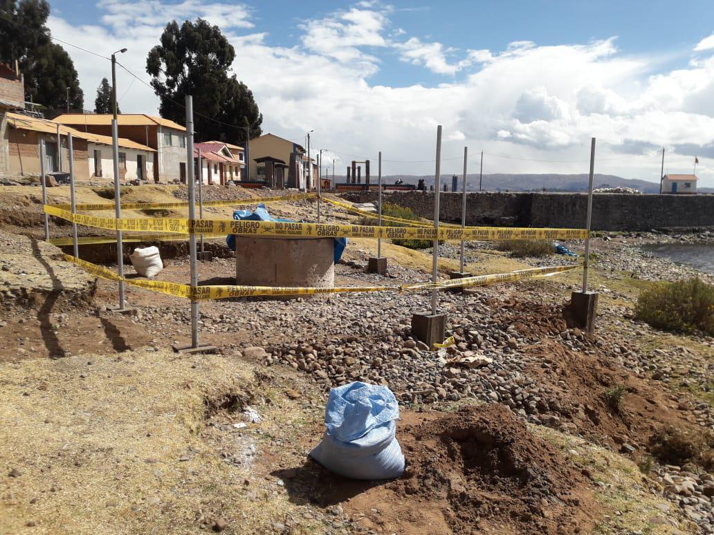 Adduction d'eau au collège Miguel Grau sur l'ïle d'Amantani, Lac Titicaca, Pérou - Vision du Monde