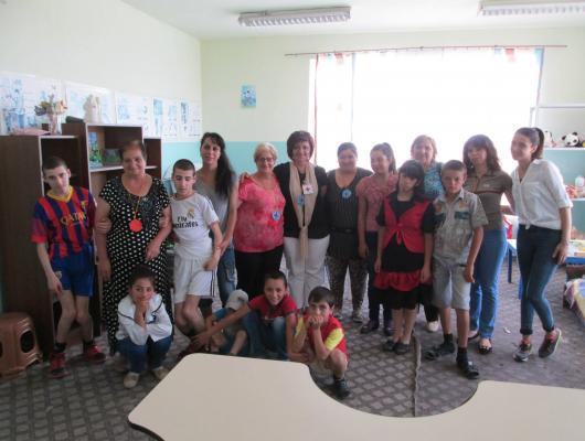 Action solidaire par Vision du Monde : Soutien aux activités manuelles du centre pour enfants handicapés de Astghavard à Vardenis