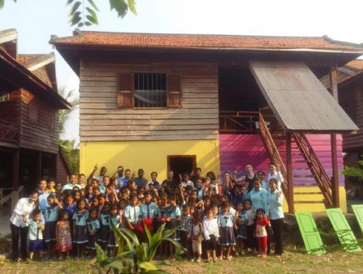 Action solidaire par Vision du Monde : Rénovation de la salle de repos du centre PTD