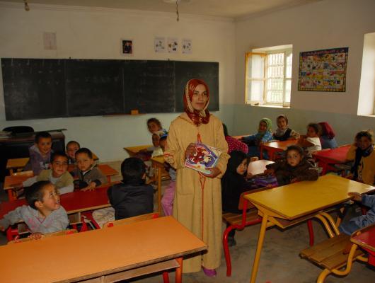 Action solidaire par Vision du Monde : Poursuite du soutien à l'institutrice de l'école maternelle du douar d'Ibakaliwane
